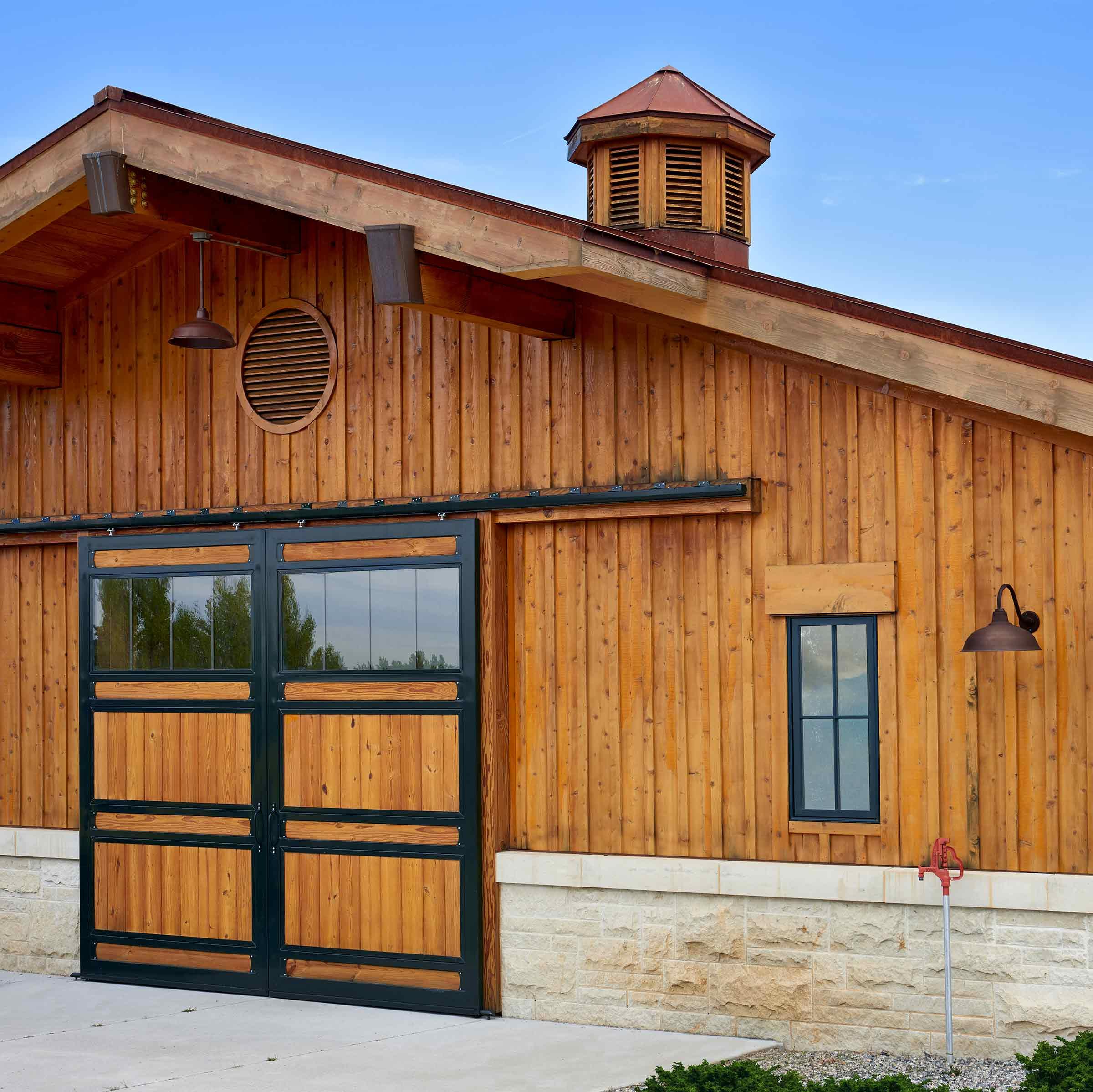 4750 Horse Barn